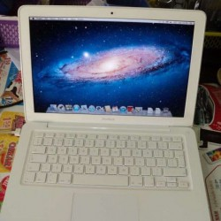 APPLE MacBook 13.3 - Intel C2D 2 x 2.4